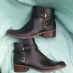 Tommy Hilfiger booties size 8.5